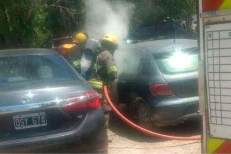 Ocurrió en un balneario de La Falda y los bomberos evitaron que el fuego provocara mayores daños