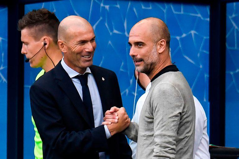 La sonrisa de Zinedine Zidane en el saludo a Pep Guardiola: Manchester City venció 2-1 a Real Madrid y lo eliminó de la Champions League.