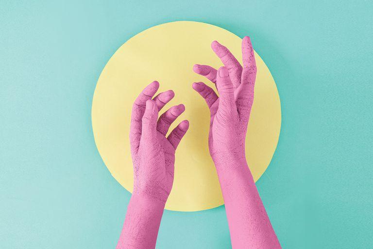 """Limpieza extrema: """"Tengo las manos hechas pelota"""". Consejos para cuidarlas"""