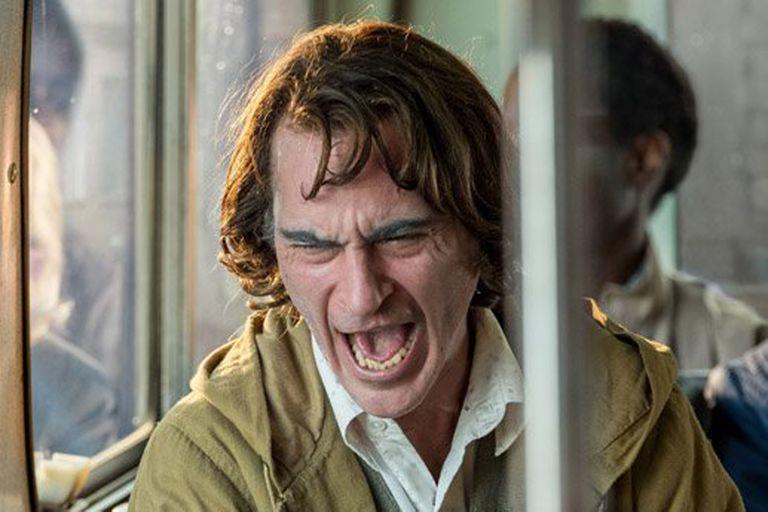 Joaquin Phoenix en una escena de Guasón, de Todd Phillips