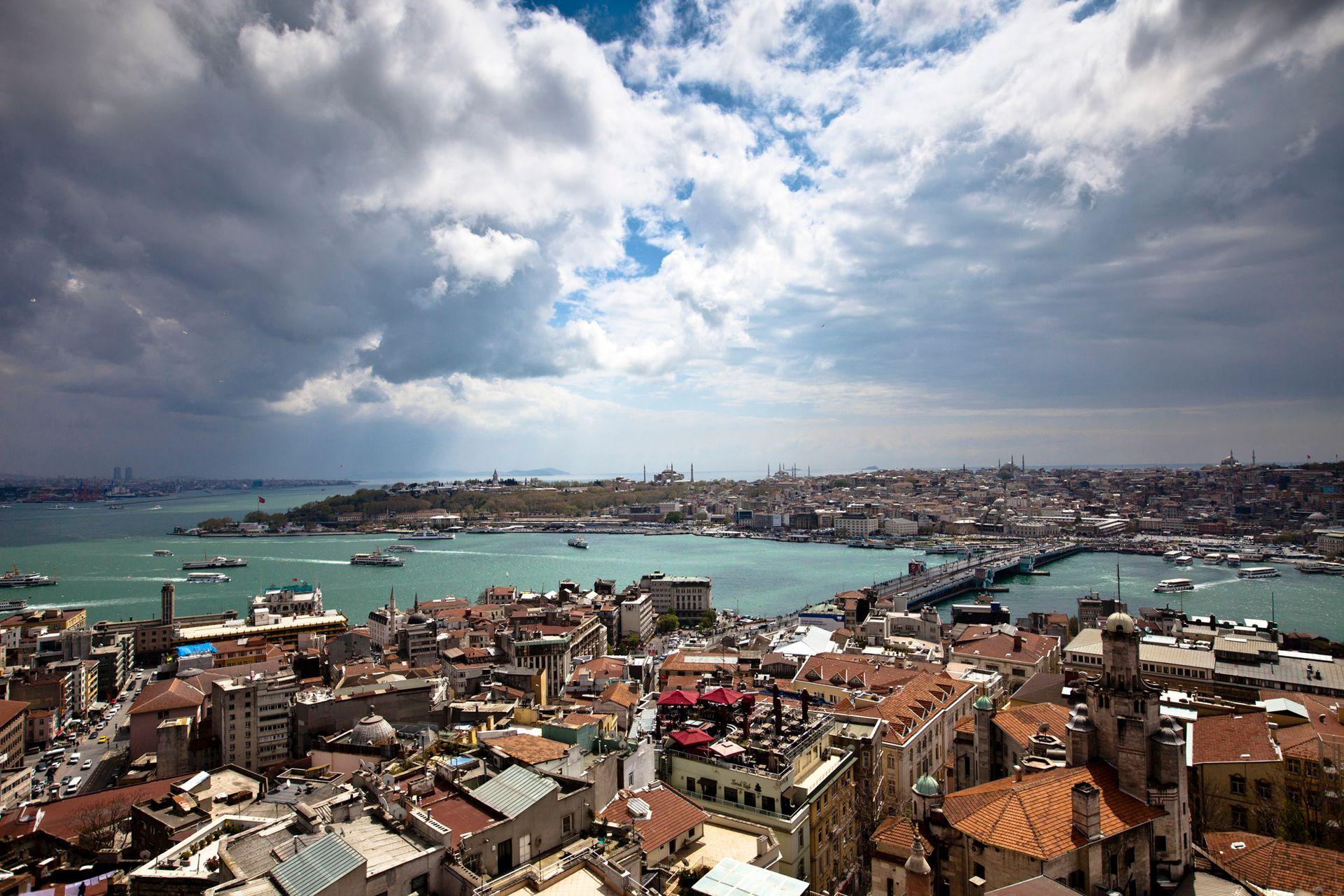 Vista de la ciudad de Estambul desde la torre Galata.