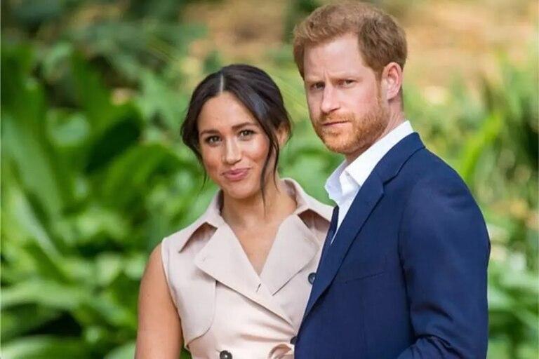 El príncipe Harry y Meghan Markle fueron los protagonistas de los titulares cuando decidieron abandonar sus deberes reales
