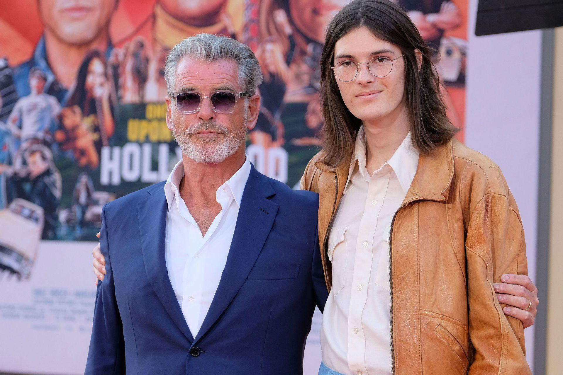 Pierce Brosnan acudió al estreno junto a su hijo, Dylan