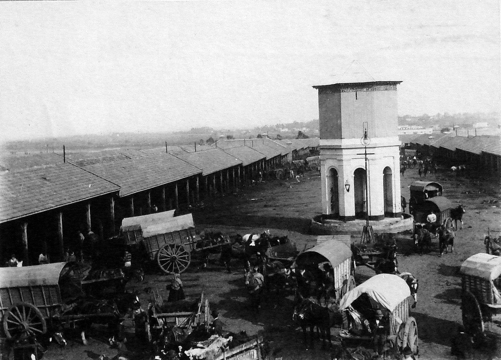 El Matadero Municipal se encontraba en el Parque Patricios. La zona fue defendida por las tropas Provinciales el día 21 hasta que fueron expulsados.