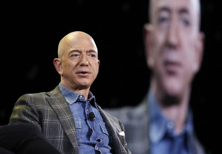 Jeff Bezos perdió US$13.500 millones y hay preocupación en Amazon