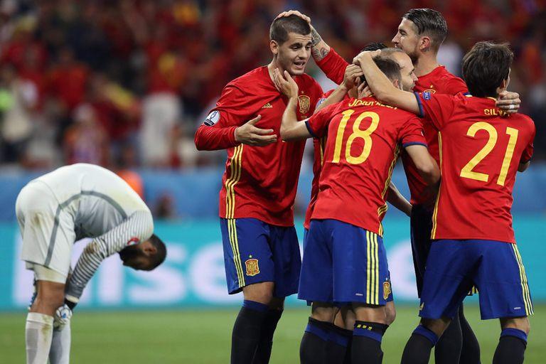 España le ganó con autoridad a Turquía