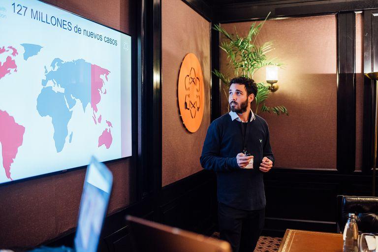 Julian Bergier es uno de los integrantes del equipo de biotecnólogos de la Universidad de Quilmes detrás del dispositivo de detección temprana del una bacteria de transmisión sexual que afecta a más de 127 millones de personas en el mundo
