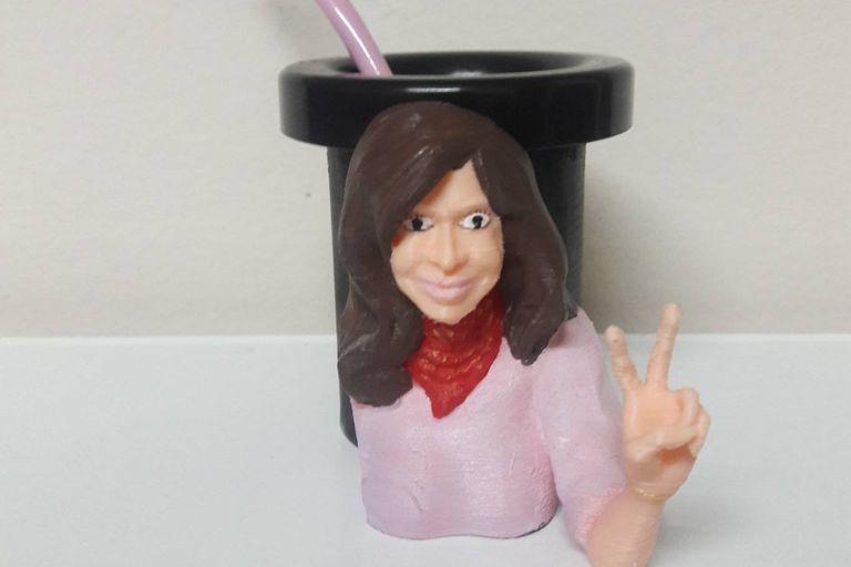 El mate de Cristina Kirchner, hecho mediante la técnica de impresión 3D