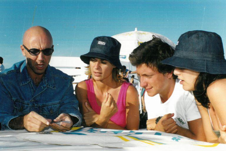 Ahora lo ves, ahora no lo ves: el mago Jansenson, Eugenia Tobal, Nicolás Vázquez y Julieta Díaz en Playa Ku.