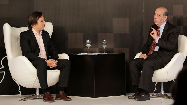 Ricardo Arriazu, titular del estudio Arriazu & Asoc. en un mano a mano con José del Río