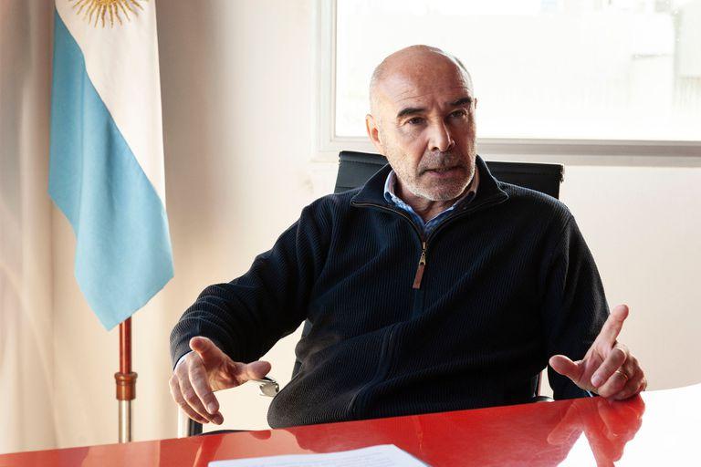 Segundo debate: Juan J. Gómez Centurión y la promesa de cambiar el estilo