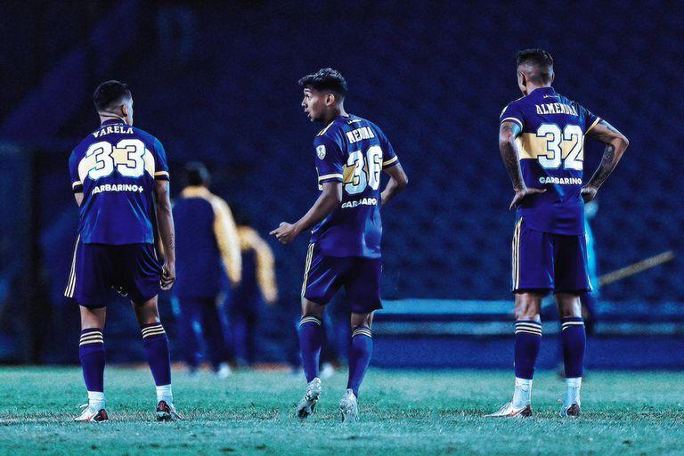 Medina, Varela y Almendra se afirman en el mediocampo de Boca y les dan estabilidad y juego al equipo en una zona clave