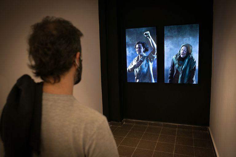 En el Salón Nacional de Artes Visuales varias obras están centradas en grupos sociales vulnerables, en especial, mujeres y niños