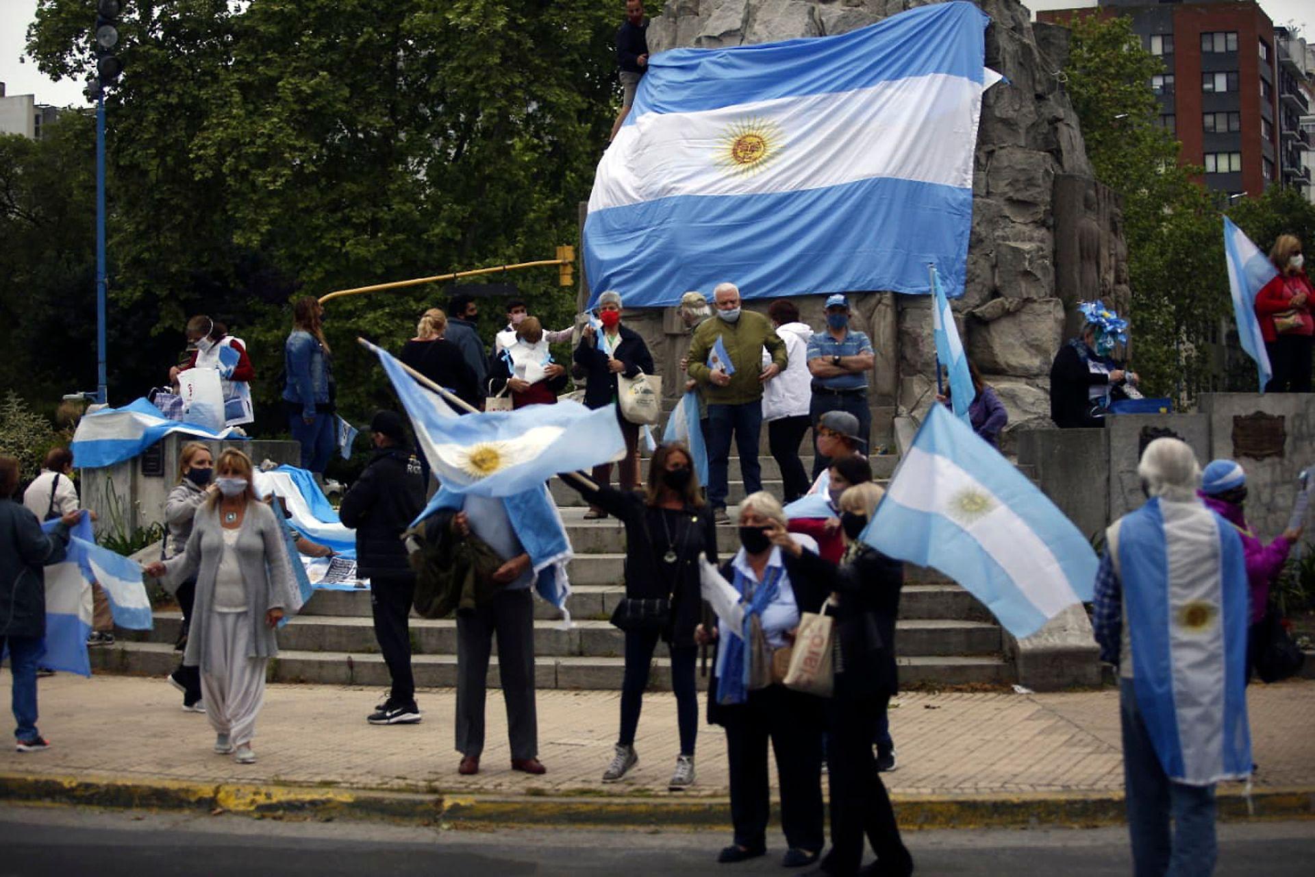 Banderazo del #8N en Mar del Plata