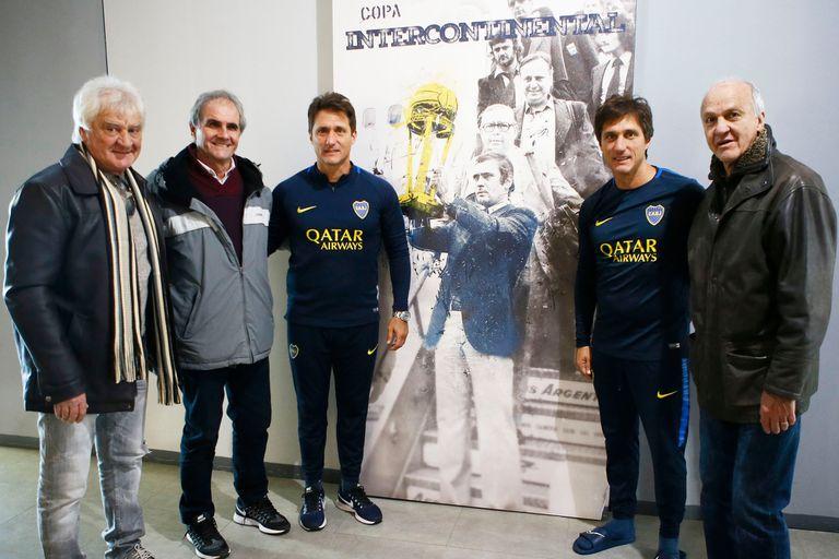 Ribolzi, Zanabria y Veglio, junto a los Mellizos Guillermo y Gustavo Barros Schelotto