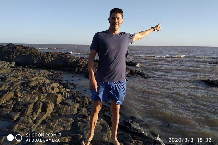 El abogado que cruzó nadando el Río de la Plata y entró en un club muy exclusivo