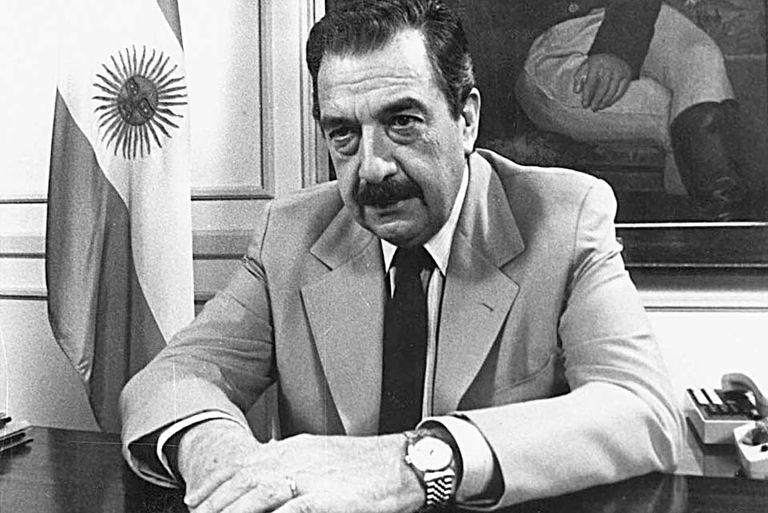 El deterioro de las variables económicas luego del éxito inicial del Plan Austral motivaron al gobierno de Raúl Alfonsín a impulsar un blanqueo de capitales