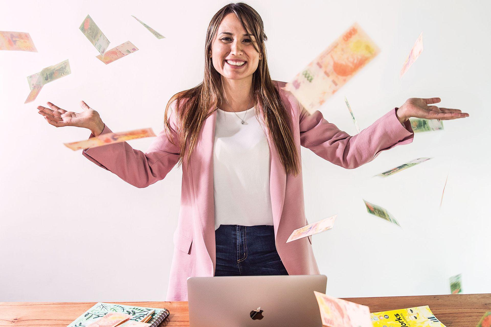 Sabrina Castelli (@MujerFinanciera).