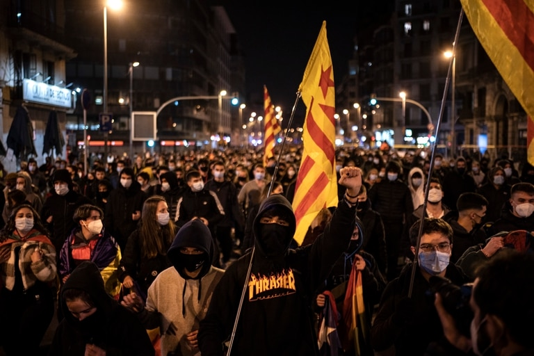 Banderas catalanas en la marcha de este viernes en Barcelona