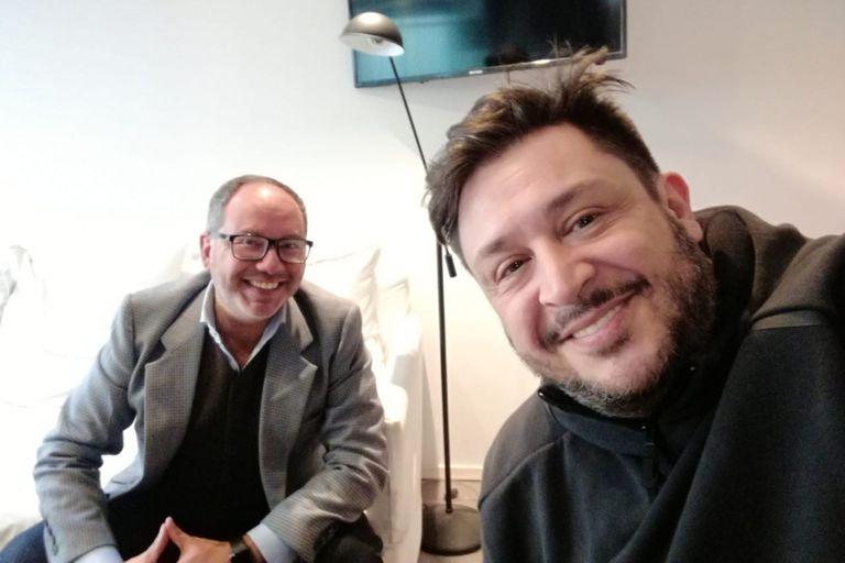 Javier Artigas y el escritor Hernán Casciari