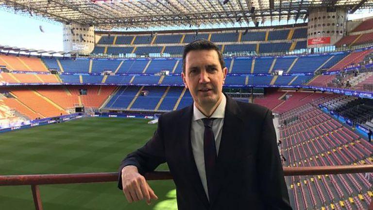 100 preguntas. Miguel Simón: periodismo divo, Maradona-Messi y su club de fútbol