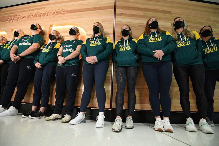 El primer seleccionado en llegar a Japón para los Juegos Olímpicos fue el australiano femenino de sóftbol; el aislamiento será hasta volver a casa.