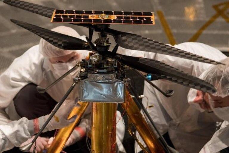 El helicóptero robótico Ingenuity forma parte de la misión Mars 2020, para explorar objetivos en el planeta Marte
