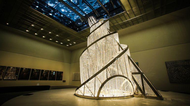 """Fuente de Luz"" de Ai Weiwei en el Louvre Abu Dhabi"