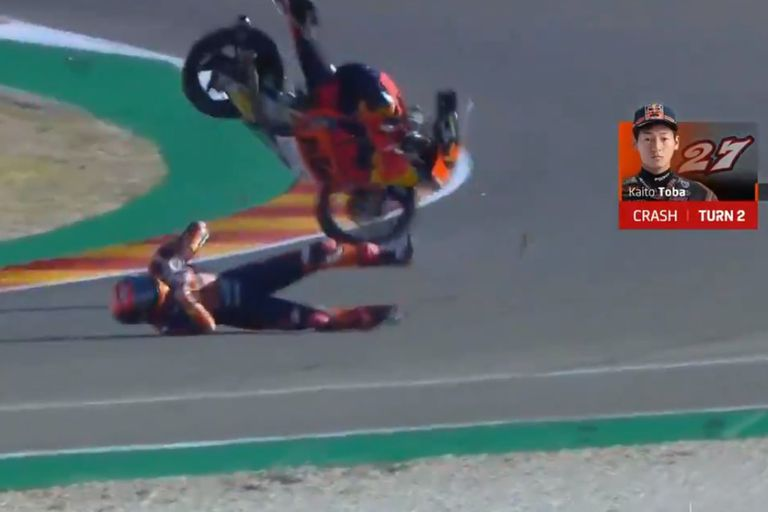 Moto3. El escalofriante accidente del japonés Kaito Toba en el GP de Aragón
