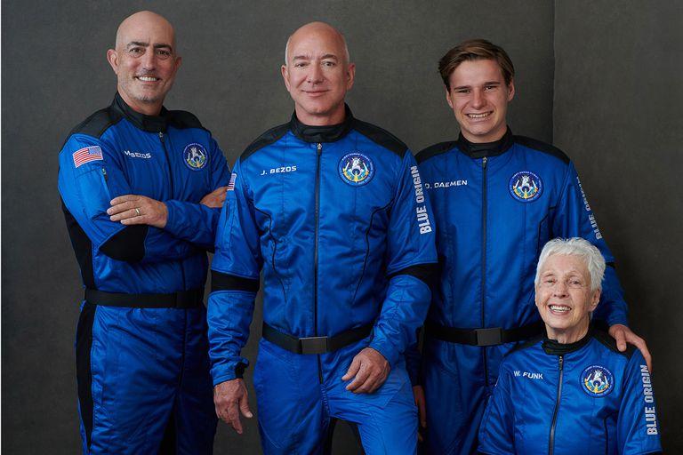 Con esa compañía viajará hoy al espacio la persona más rica del mundo