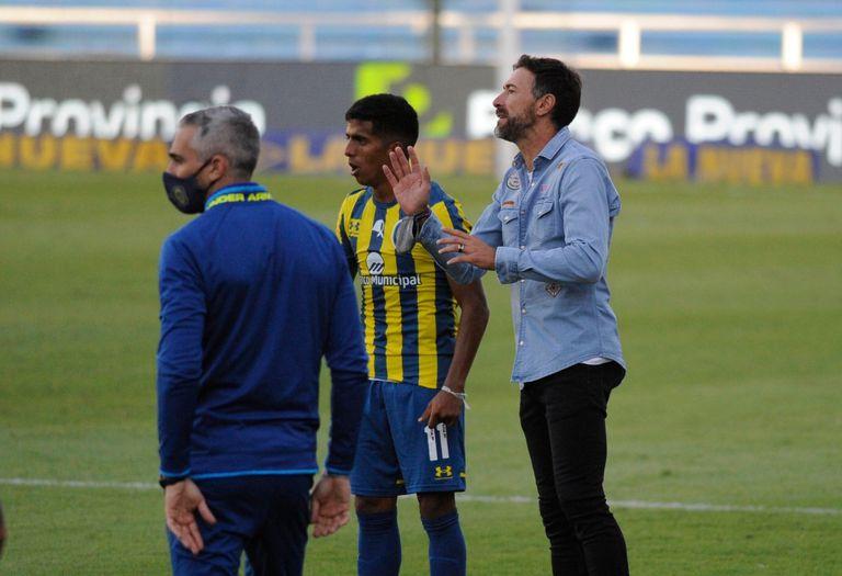 El Kily González llegaba condicionado al partido con Banfield, pero el DT tomó aire con el triunfo de Rosario Central por 3-1