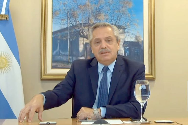 Alberto Fernández, acto en un centro de vacunación de Pilar