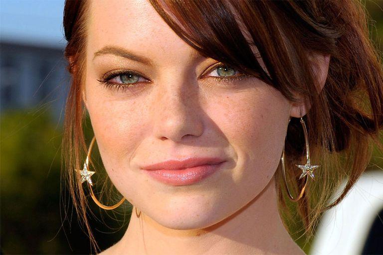 Emma Stone es una fan de las freckles al natural