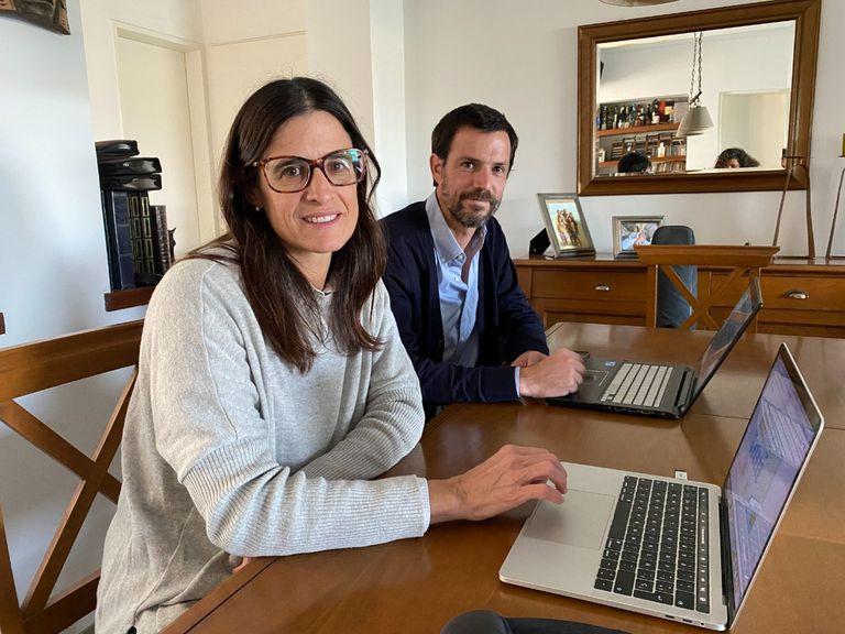 """Rosario y Juan Pablo Ganzabal, emprendedores y dos de los creadores de las apps """"OnDepor"""" y """"OnDesker"""""""