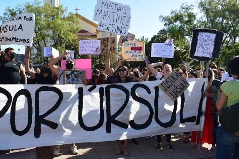 Otro femicidio: marcha en pedido de justicia por el asesinato de Úrsula, en la localidad de Rojas