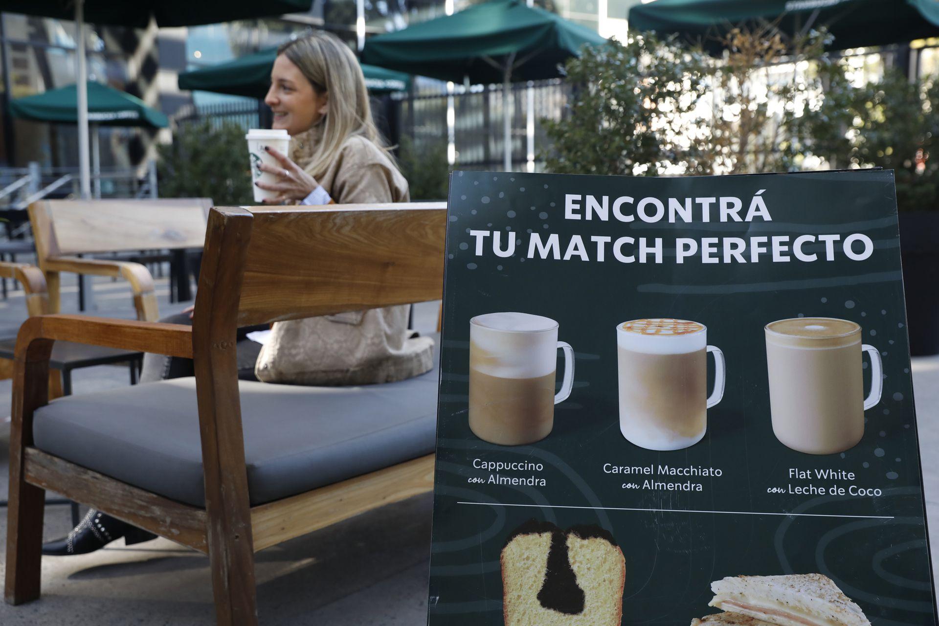 A tono con la demanda y a pedido de muchos de sus clientes, la cadena Starbucks comenzó a ofrecer la variedad vegetal para combinar con sus cafés