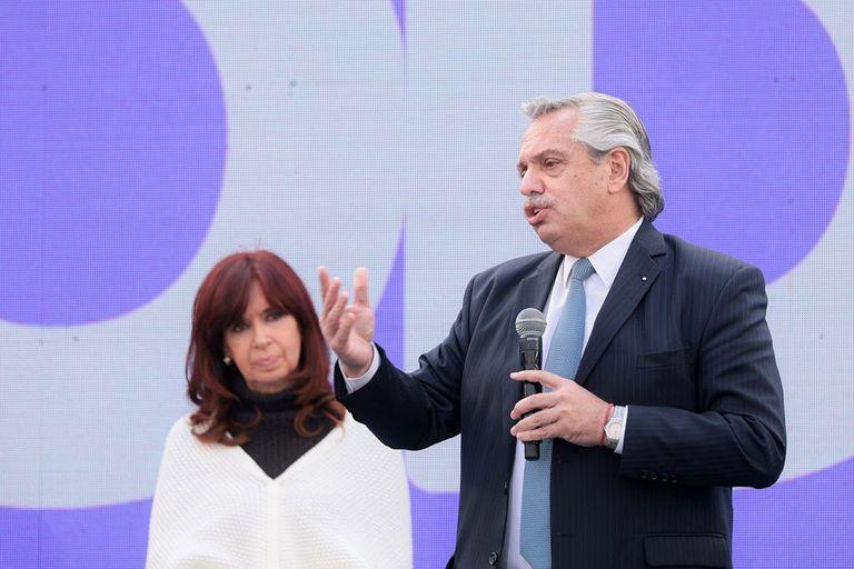 Condicionado, Fernández parte a Europa en busca de apoyo para avanzar con el FMI