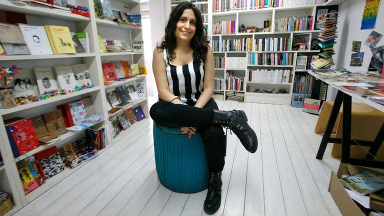 Una casa propia. Poeta, Nurit Kasztelan dice que lo que más le gusta es recibir a los lectores y ofrecerles lo que cree mejor para cada uno de ellos