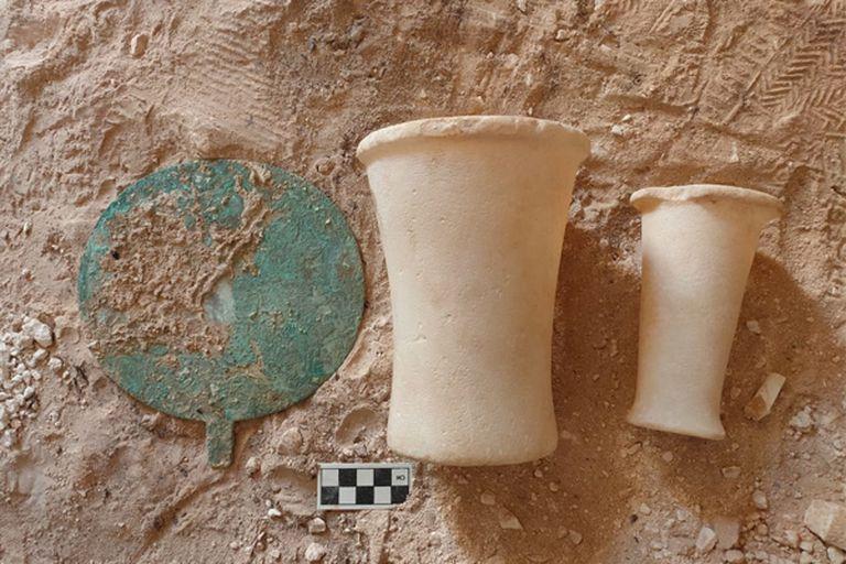 Se encontraron objetos que posiblemente se usaran en la vida cotidiana del antiguo Egipto