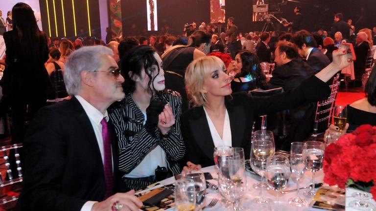 Pettinato junto a sus hijos Felipe y la nominada Tamara