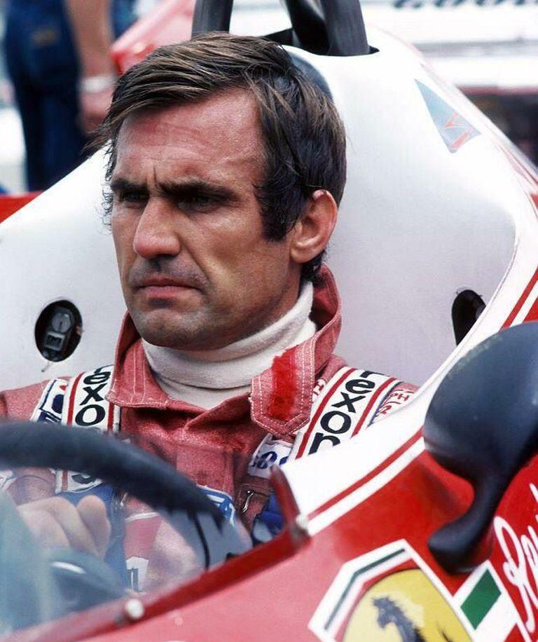 En 1982, después de su retiro, Carlos Reutemann fue tentado por Ferrari para retornar a la Fórmula 1; Lole no escuchó la propuesta, porque debía tomar la butaca de su amigo Gilles Villeneuve, que se mató en la prueba de clasificación en Zolder