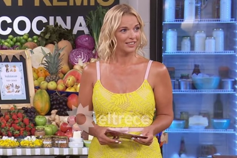 Carina Zampini retomó su rol como conductora de El gran premio de la cocina, donde había sido reemplazada por Andrea Politti. En el reencuentro con sus compañeros, compartió una divertida historia de cuando estaba embarazada