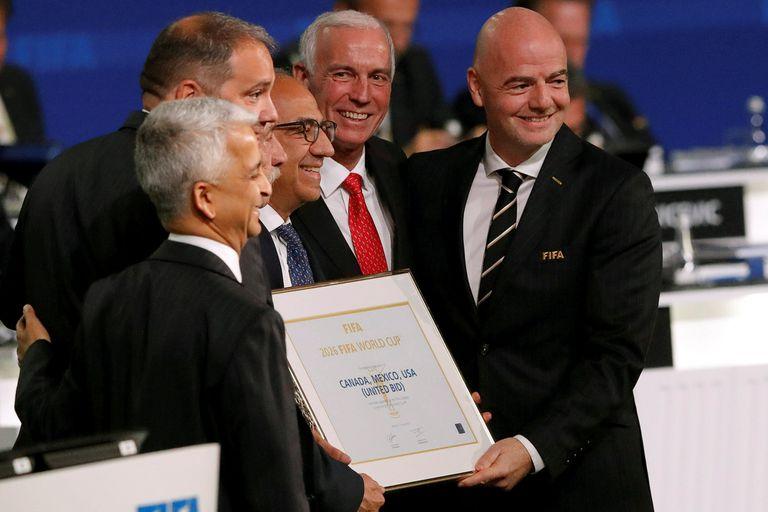 La FIFA se inclinó por un Mundial tripartito en 2026 y cierra una era