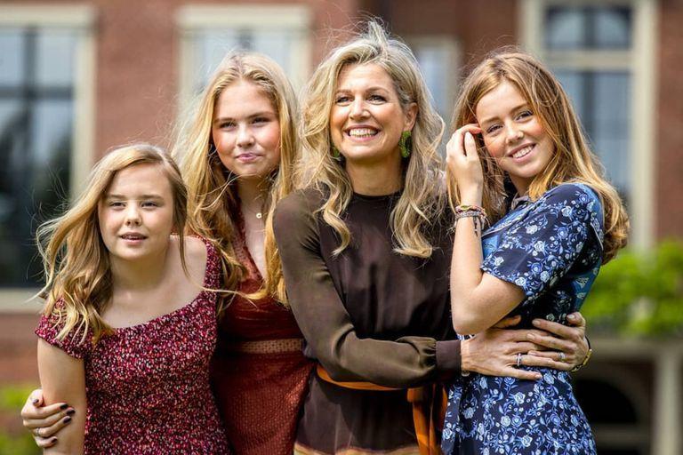 La reina Máxima junto a sus tres hijas: Amalia, Alexia y Ariane