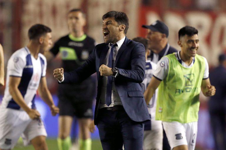 Alexander Medina, el uruguayo que llama la atención en su primera experiencia en el fútbol argentino.