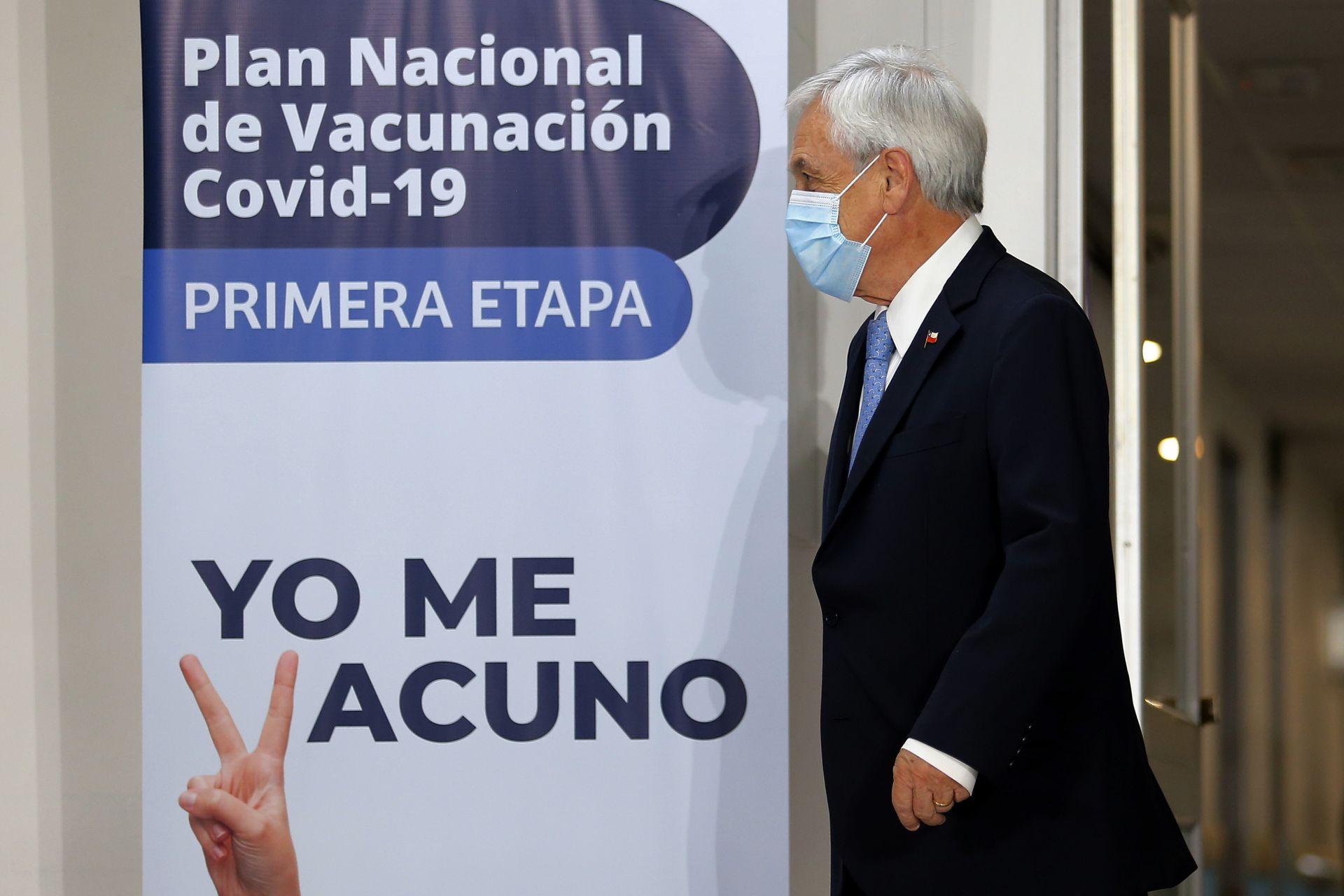 EL presidente de Chile Sebastián Piñera en el Hospital  Metropolitano donde se presentó el plan de vacunación chileno en diciembre de 2020