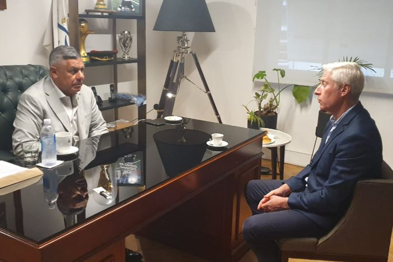 Tapia se reunió con el Jefe de Gabinete de Ministros, Gustavo Coria, para presentarle una solicitud vinculada al regreso de un 33% de los hinchas