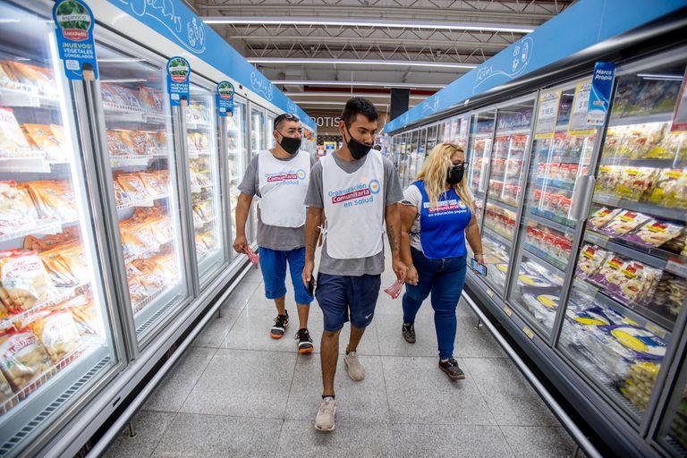 Sorpresas, chequeos y reclamos al inicio del control de precios en supermercados