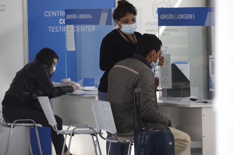 Centro de testeo Covid 19 en el aeropuerto de Ezeiza