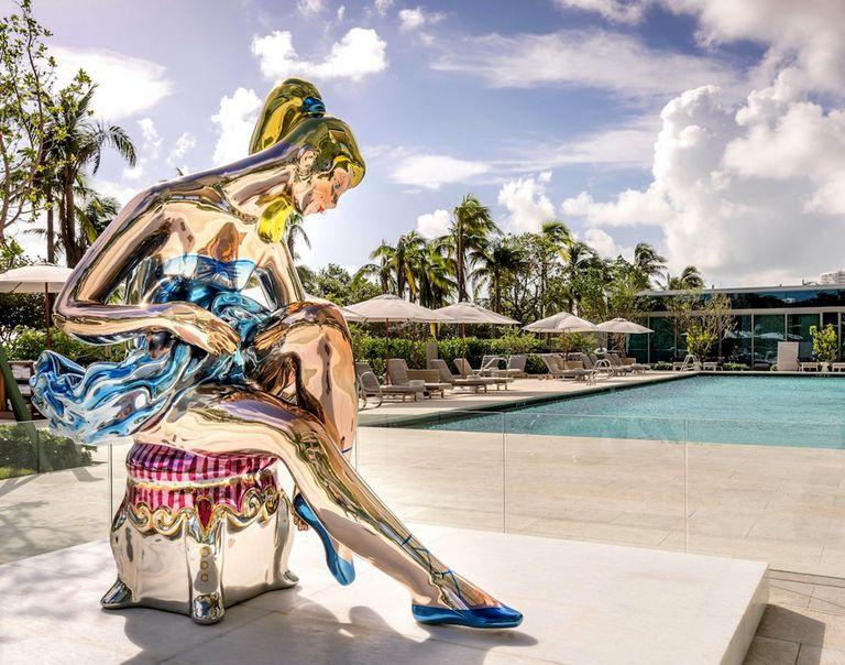 Con edificios como Oceana Bal Harbour en Miami, que incluye obras de Jeff Koons, Eduardo Costantini demostró el valor de convivir con el arte y la naturaleza; lo replicará en Puerto Madero, en asociación creativa con Alan Faena